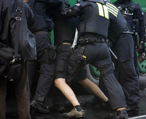 Police-Repression